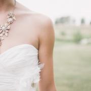 Jak wybrać suknię ślubną i nie przepłacić?