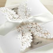 Własnoręcznie tworzone zaproszenia ślubne – czy to się opłaca?