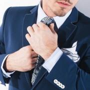 Krawat kontra muszka - modowe dylematy mężczyz